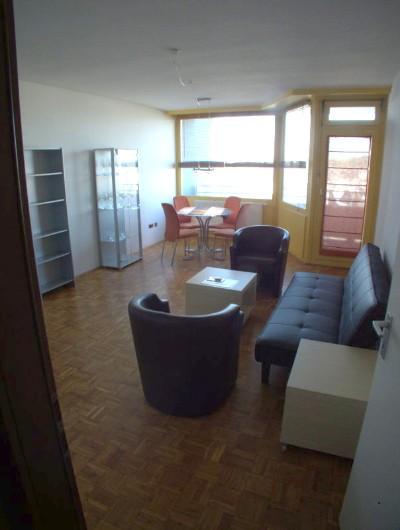 1-Zi.-Wohnung 35qm, möbliert, Kü., Bad, Balkon