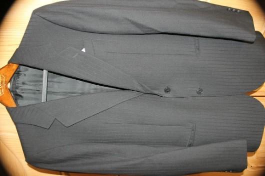 Marken-Anzug