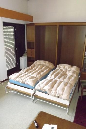 Schöne-stabile Möbel wenig benutzt