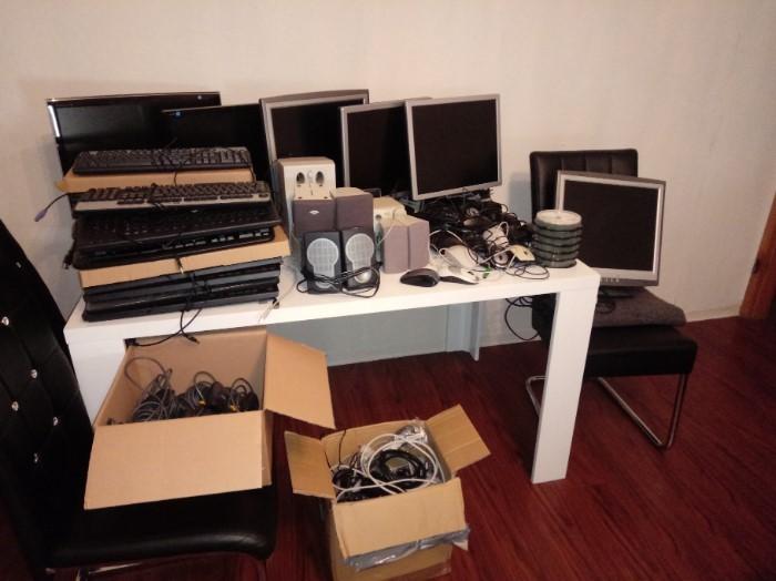 Monitore, Scanner, Tastaturen und mehr
