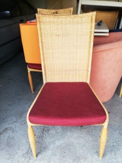 Rattan Stühle mit Tisch