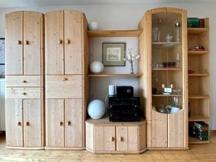 Wohnzimmer-Schrankwand kostenlos abzugeben