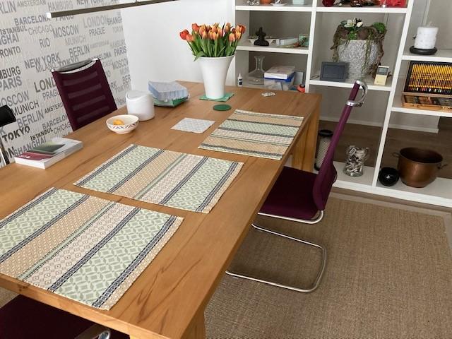 Sonderpreis VENJAKOB Tisch mit 4 hochw. Stühlen